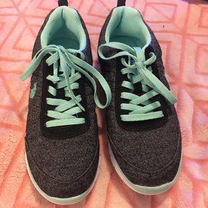 Gray & Seafoam Green Polo Sneakers
